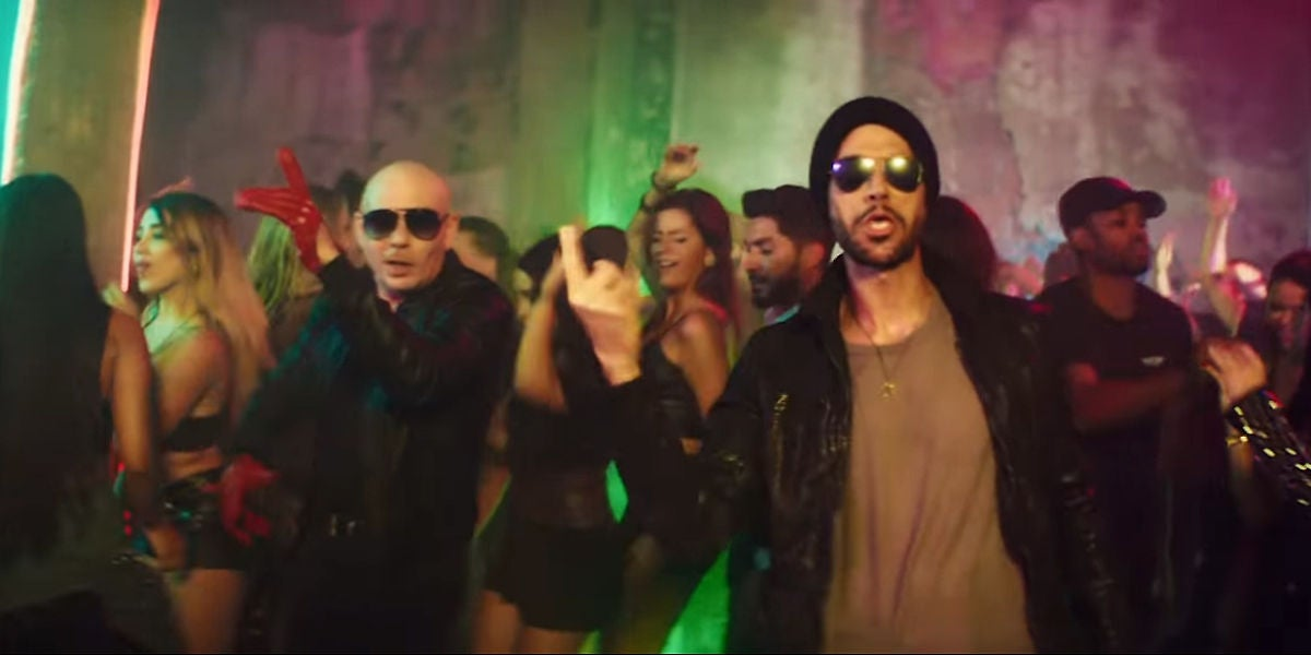 Pitbull y Enrique Iglesias en el vídeo de 'Move To Miami'