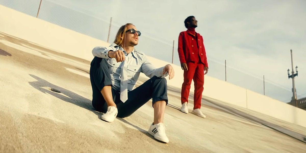 Diplo y Labrinth en el videoclip de 'Audio'