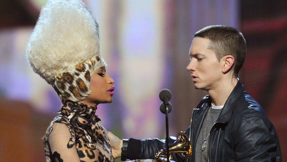 Nicki Minaj y Eminem durante la gala de los Grammy 2011