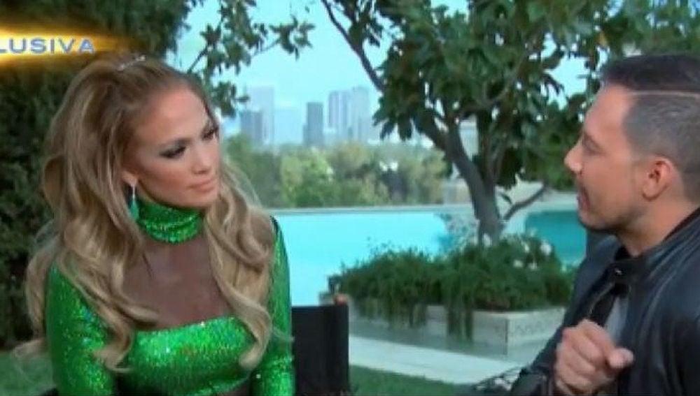 Jennifer Lopez durante su entrevista para Univisión
