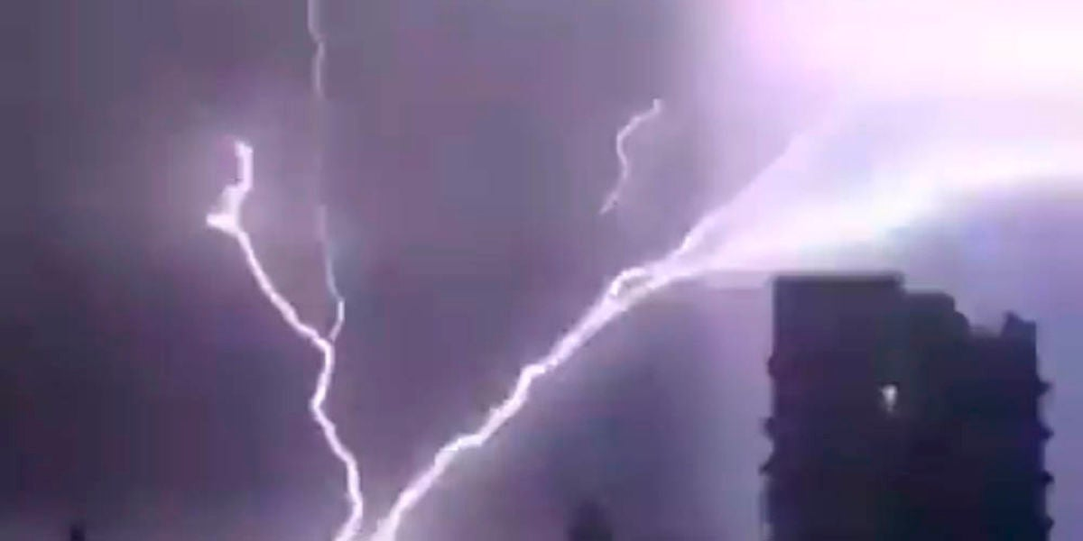 Imagen de los rayos de la tormenta que se registró en Telford