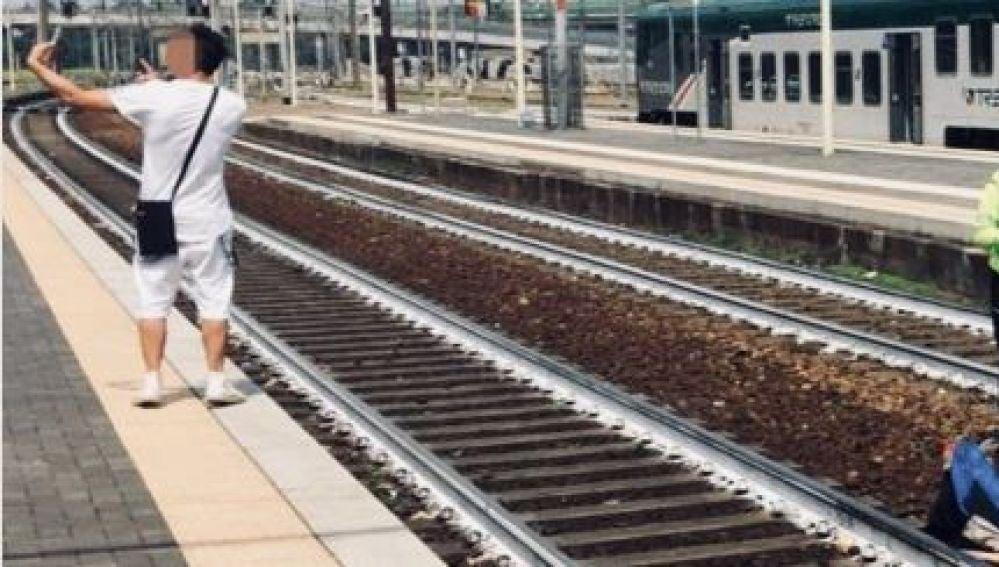 Selfie en las vías del tren