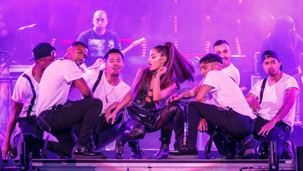 Ariana Grande durante su actuación en el festival Wango Tango