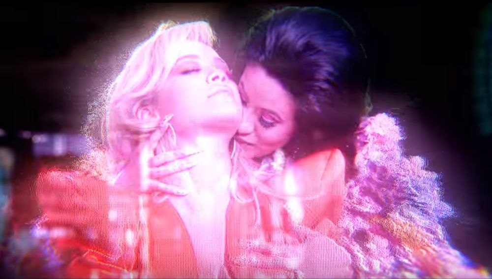 Rita Ora y Cardi B en el vídeo de 'Girls'