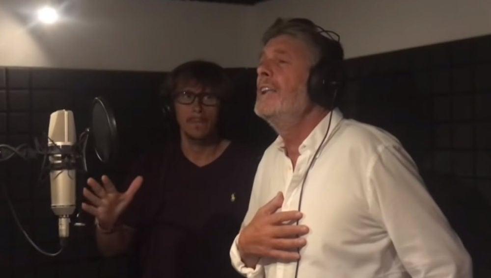Francisco y Alejandro Abad interpretan 'Canta España'
