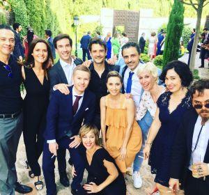 El reparto de 'Compañeros' se reúne 20 años después en la boda de Julián González