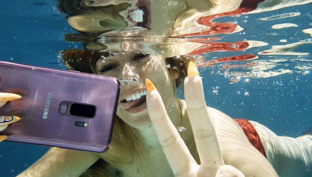 Foto subacuática de Blanca Suárez