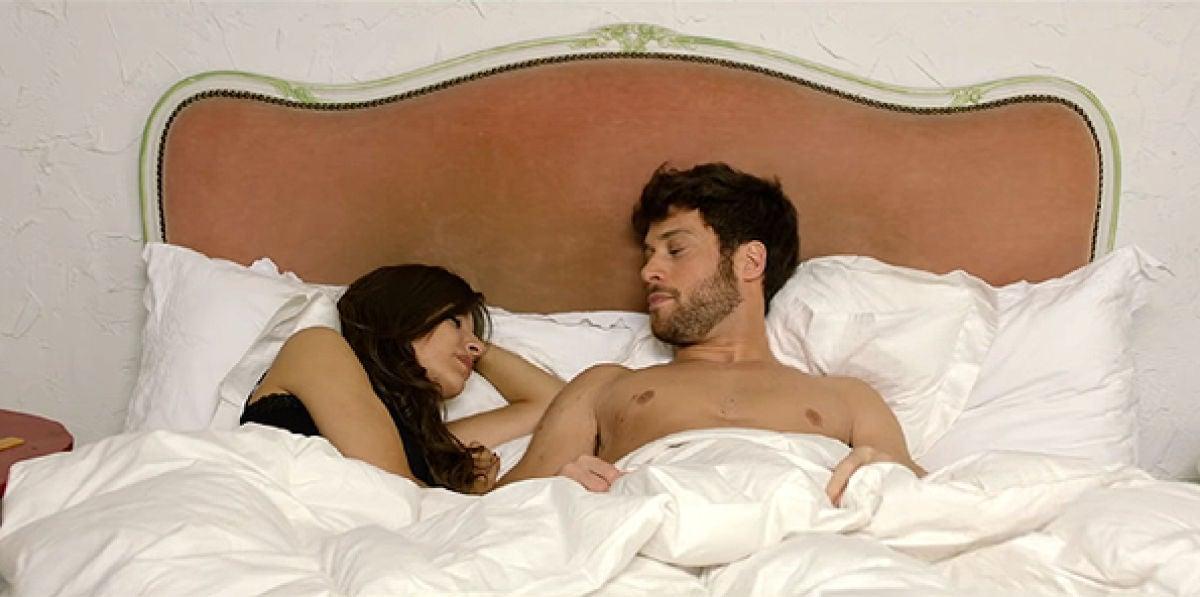 Ana Guerra y José Lamuño en el videoclip de 'Ni la Hora'