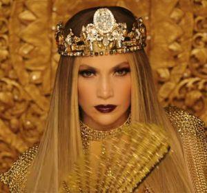 Jennifer Lopez en el videoclip de 'El Anillo'
