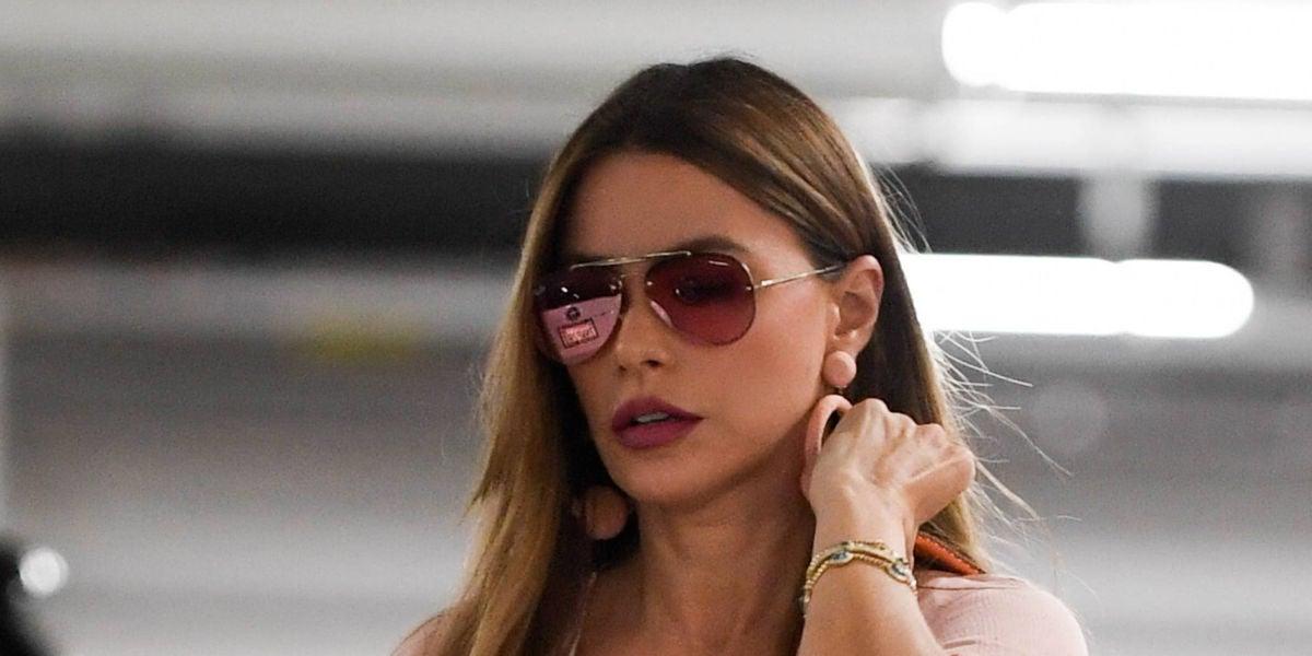 Sofía Vergara de 'Modern Family' no pierde el glamour ni para ir al supermercado