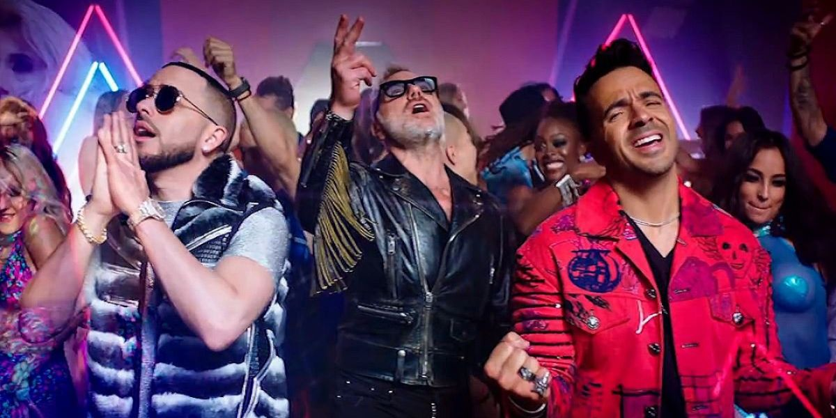 Yandel, Gianluca Vacchi y Luis Fonsi en el vídeo de 'Sigamos Bailando'