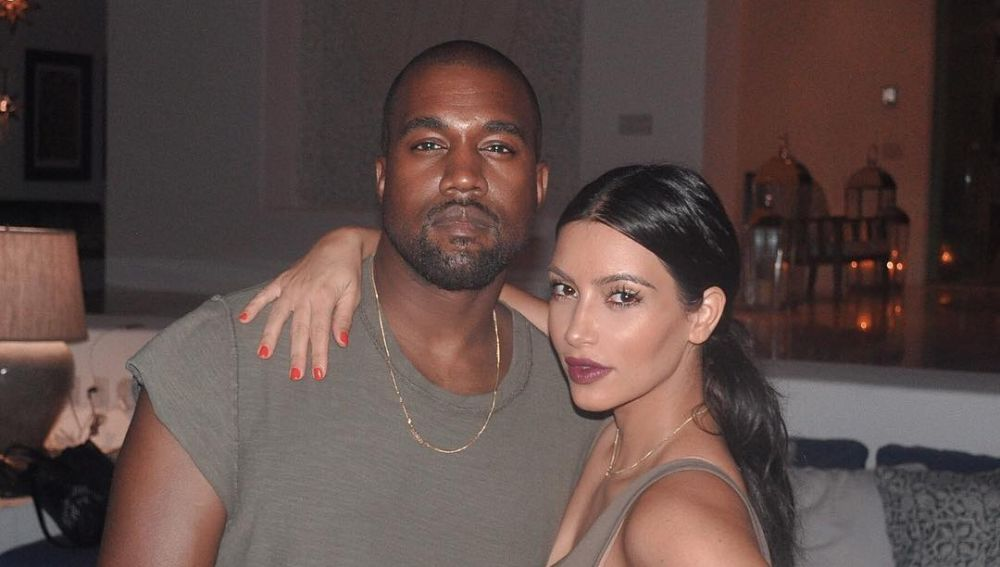 Kanye West junto a Kim Kardashian