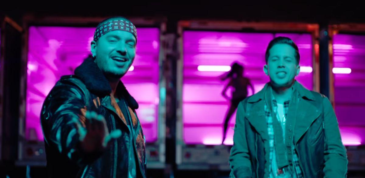 J Balvin y De La Ghetto en 'Caliente'