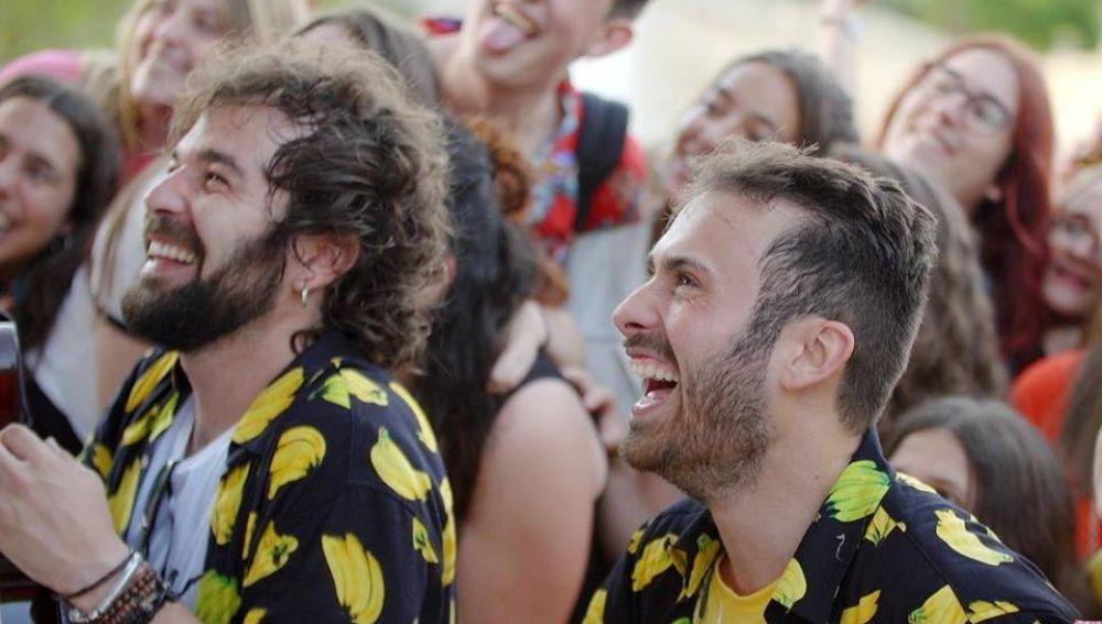 Arnau Griso en el videoclip 'Es Gratis'