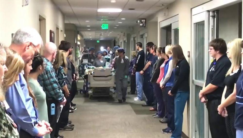 El emotivo homenaje a un paciente que iba a donar sus órganos antes de ser desconectado