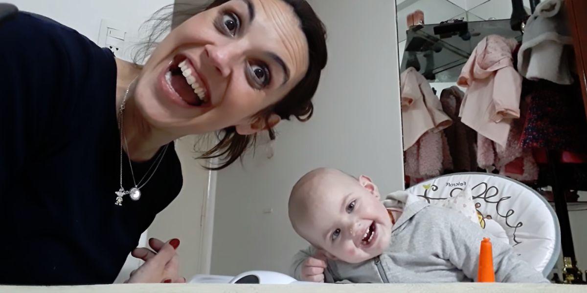 Conversación viral entre una madre y su bebé