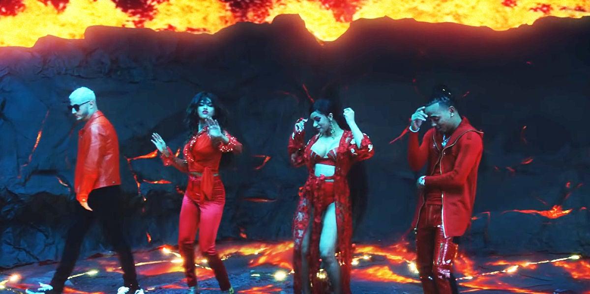 DJ Snake, Selena Gomez, Cardi B y Ozuna en el videoclip de 'Taki Taki'