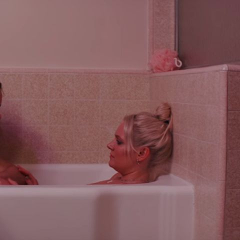 Tove Lo y Ana Coto en el cortometraje 'Blue Lips'