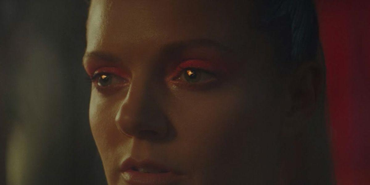 Tove Lo en el vídeo de 'Blow That Smoke'