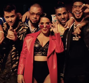 Becky G, Prince Royce y Annuel AA en el vídeo de 'Bubalu'