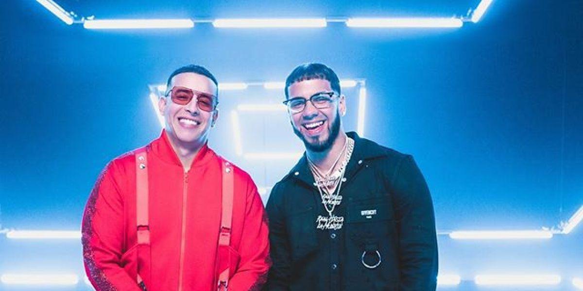 Daddy Yankee y Anuel AA en el videoclip de 'Adictiva'