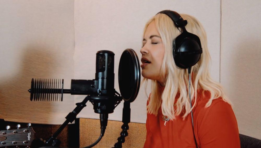 Rita Ora cantando en acústico 'Let You Love Me'