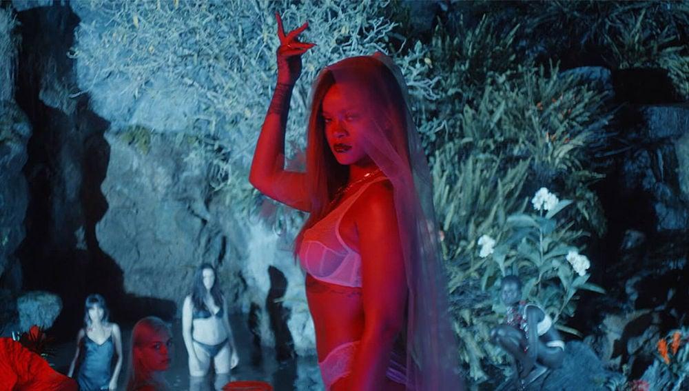 Rihanna en el vídeo promocional de 'Savage X Fenty'