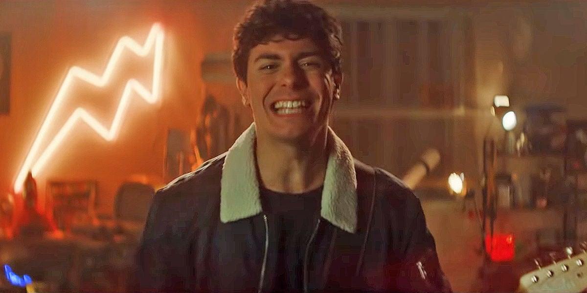 Alfred García en el videoclip de 'De La Tierra Hasta Marte'