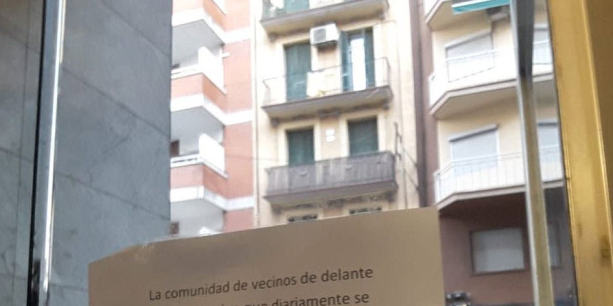 Una comunidad de vecinos de Barcelona le pide a uno de ellos que deje de masturbarse