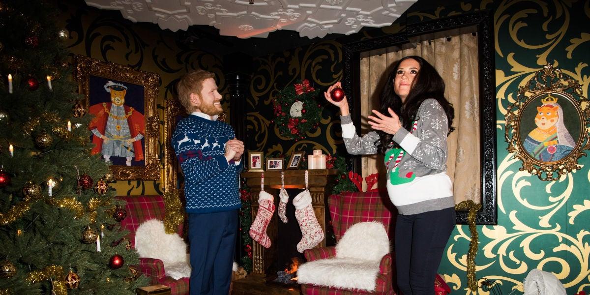 Las extrañas figuras de cera vivientes del príncipe Harry y Meghan Markle