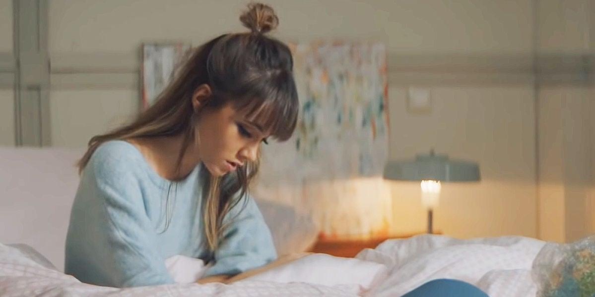 Aitana en el videoclip de 'Vas a quedarte'