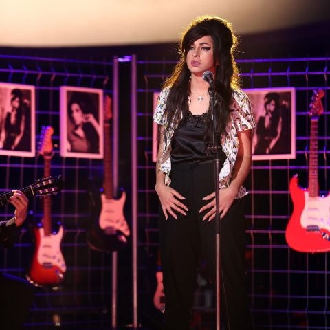 Mimi como Amy Winehouse