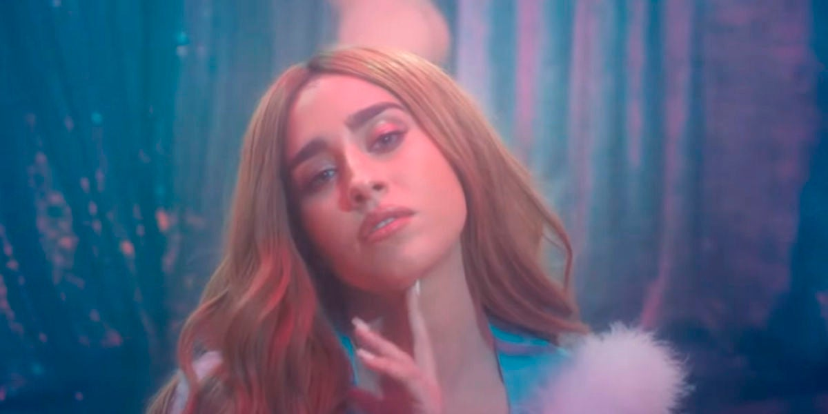Lauren Jauregui en el videoclip 'More Than That'