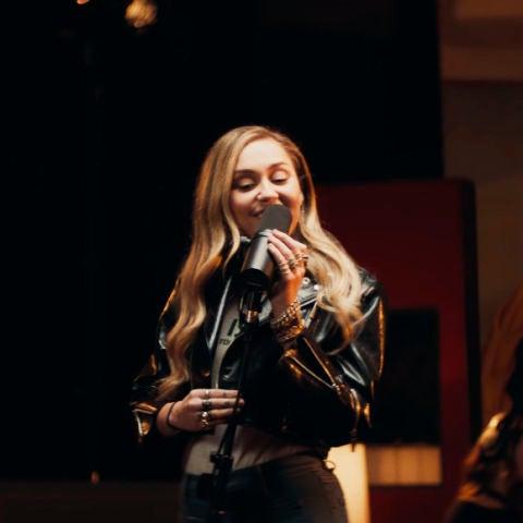 Miley Cyrus y Mark Ronson