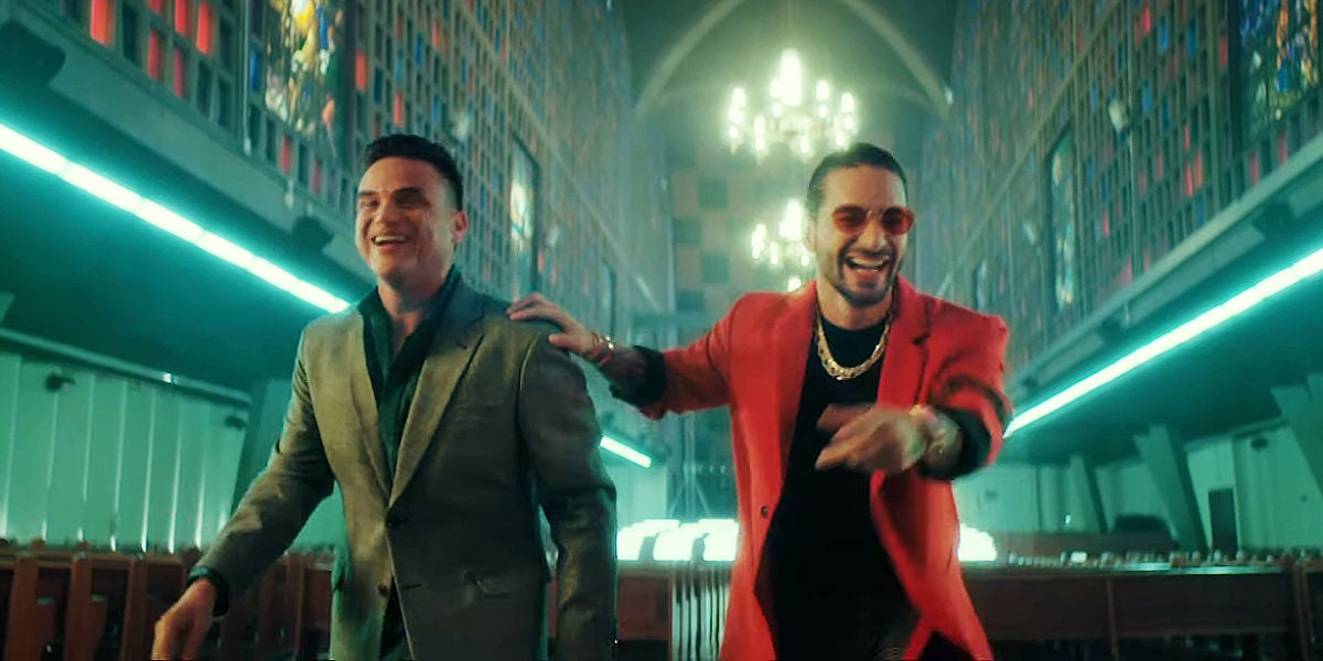 Silvestre Dangond y Maluma en el vídeo de 'Vivir Bailando'