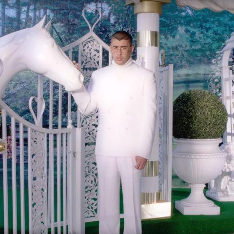Bad Bunny en el vídeo de 'Si estuviéramos juntos'