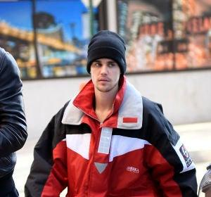 Justin Bieber paseando por la calle