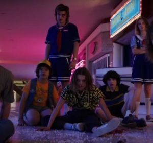Parte del elenco de 'Stranger Things' en la tercera temporada.
