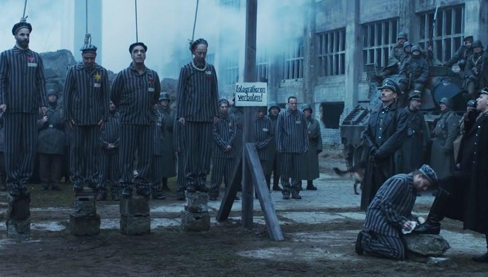 Rammstein en el controvertido videoclip de 'Deutschland'