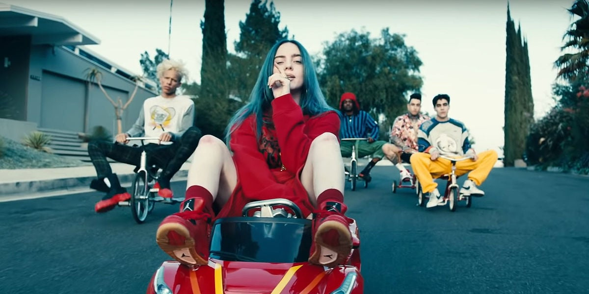 Billie Eilish en el videoclip de 'bad guy'