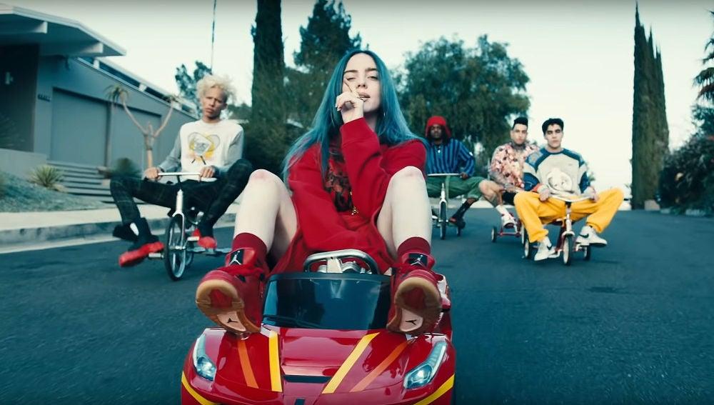 Billie Eilish en el videoclip de 'bad guy'