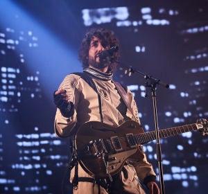 Mikel Izal durante un concierto de la gira 'Autoterapia'