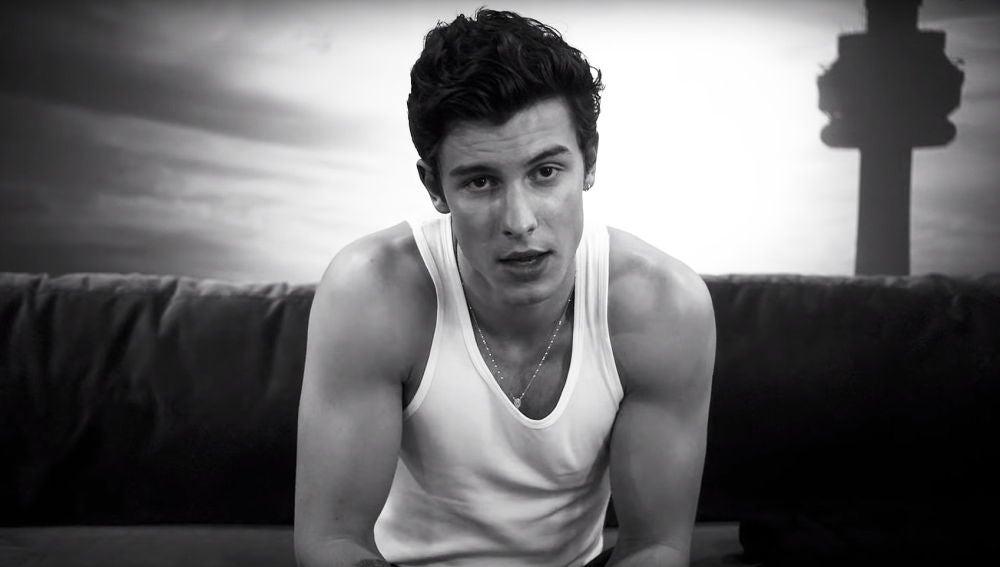 Shawn Mendes en el videoclip de 'If I Can't Have You'