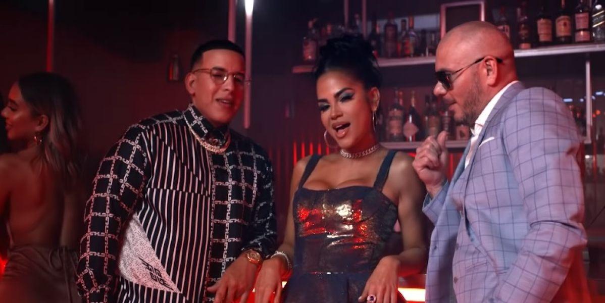 Pitbull, Daddy Yankee y Natti Natasha no quieren que los engañes en 'No lo Trates'