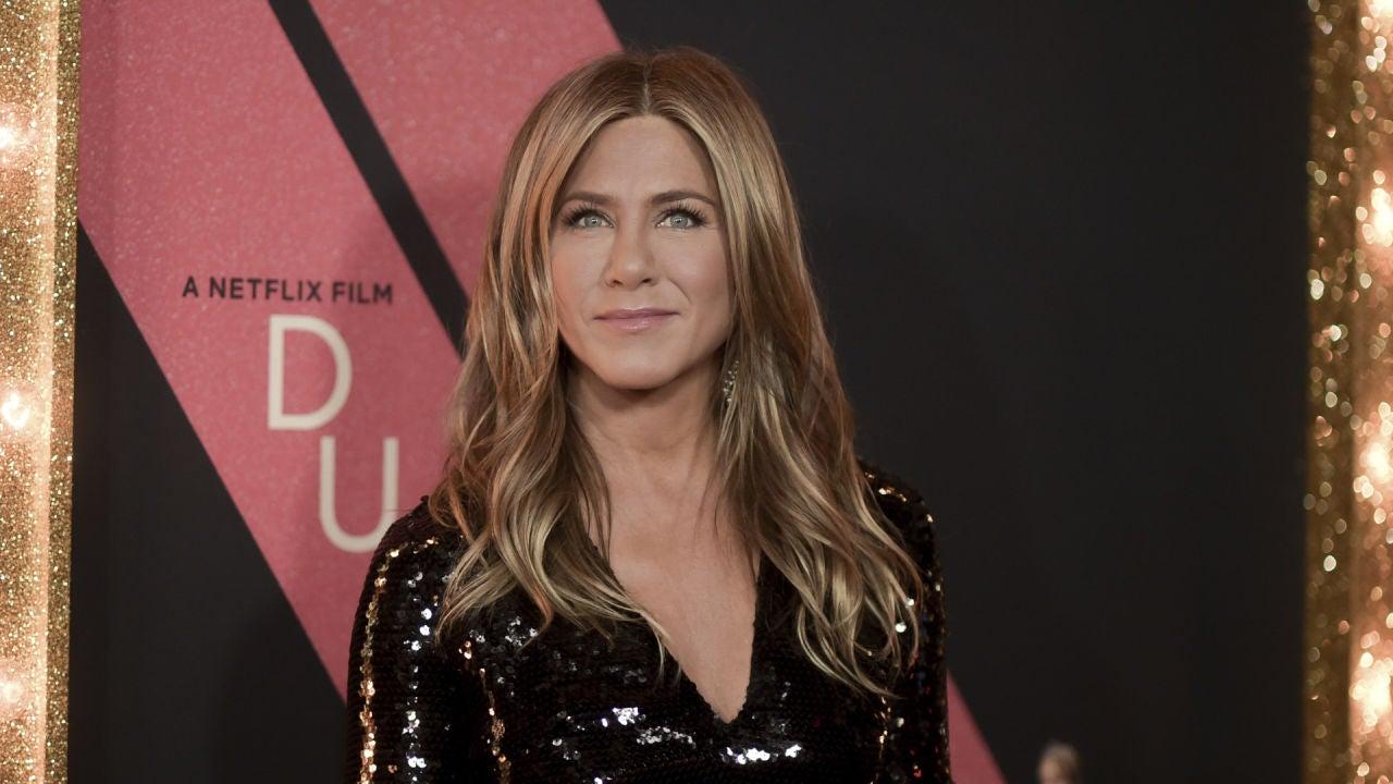 Jennifer Aniston Cumple 50 Años En Topless Y Esperando El
