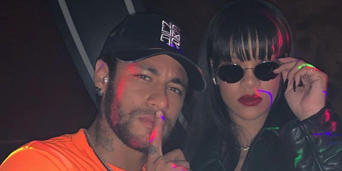 Neymar junto a Rihanna
