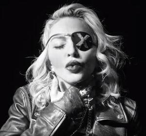 Madonna en el vídeo de Crave