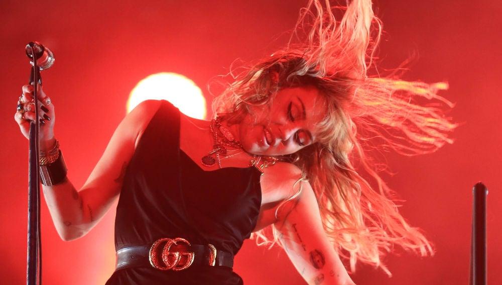 Miley Cyrus durante su concierto en el BBC Big Weekend festival