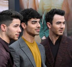 Jonas Brothers en el estreno de su documental
