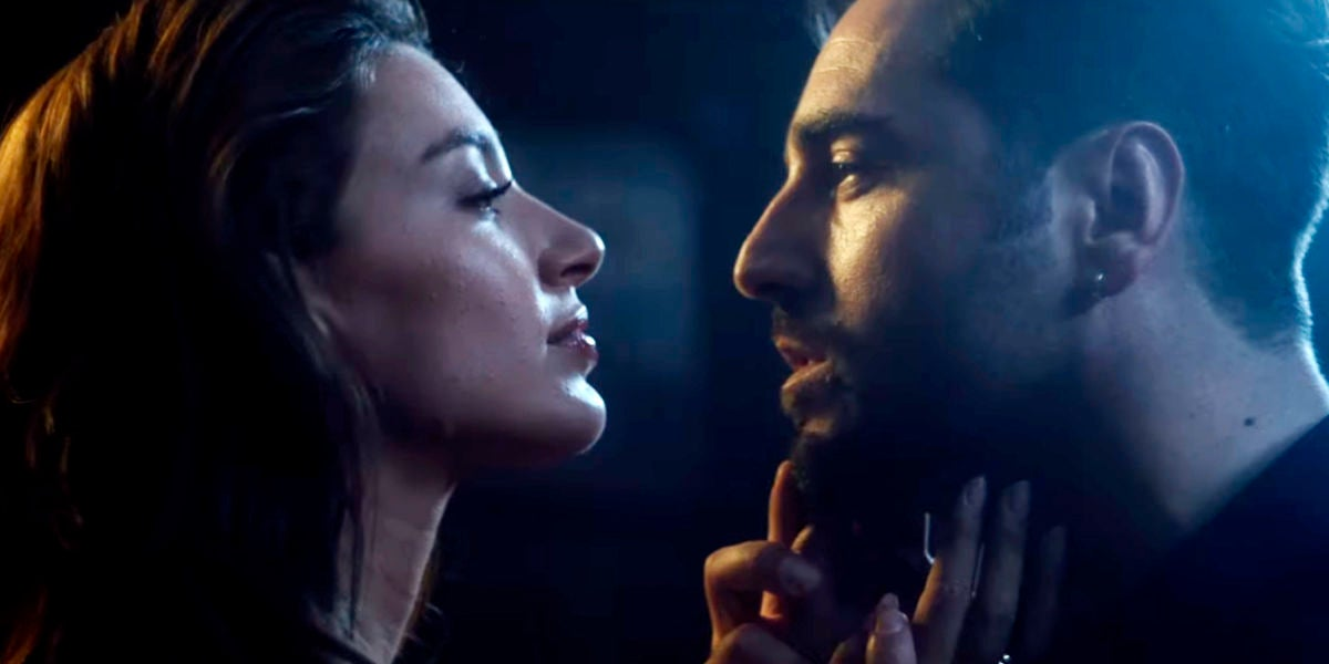 Ana Guerra y Bustamante en el videoclip de 'Desde que te vi'